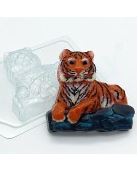 Тигр лежит на камнях, форма для мыла пластиковая